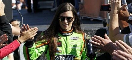 Danica Patrick è all'esordio full time in Sprint Cup Series