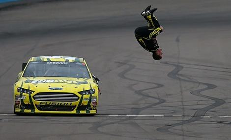 2013-Subway-Fresh-Fit-500-Phoenix-030313-Carl-Edwards-Flip-Win_t470
