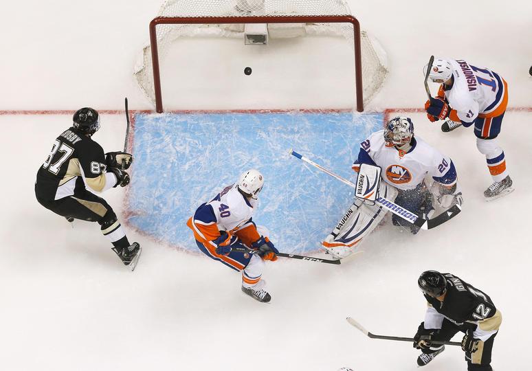 Il primo goal di Crosby ai playoff