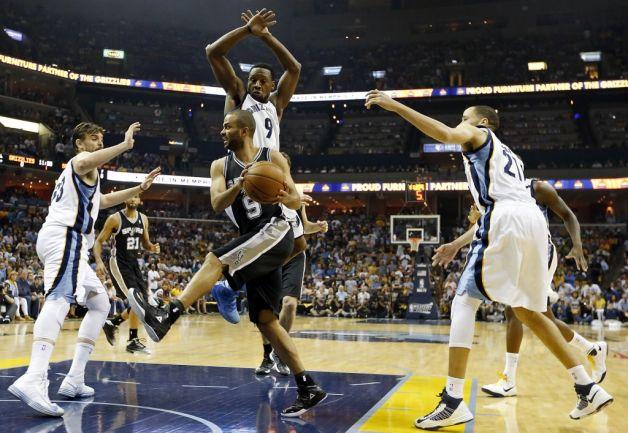 Tony Parker ha fatto ammattire la difesa di Memphis per tutta la serie...