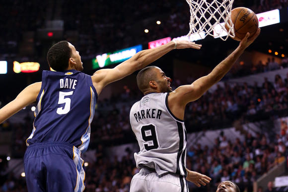 chi-nba-playoffs-spurs-grizzlies-20130519-001