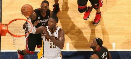 """In una lega con pochissimi centri veri Roy Hibbert domina, anche contro LeBron costretto da """"4"""""""