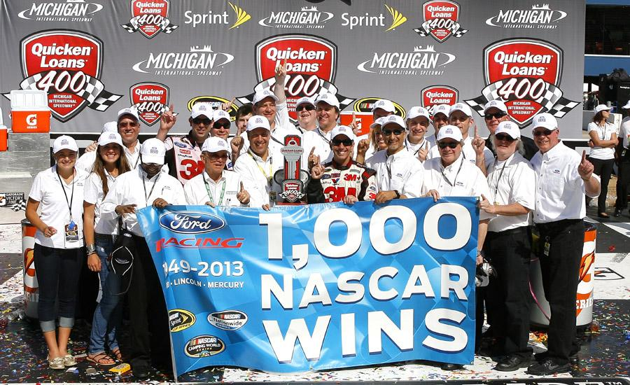Greg-Biffle-gets-Ford-1000th-win1