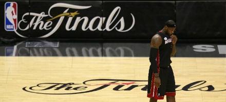 LeBron non è più solo in queste NBA Finals ma la sua reputazione è ancora tutta da scrivere