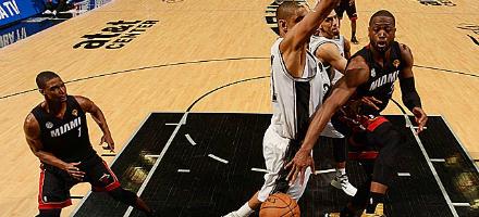 """Wade per Bosh, finalmente i Miami Heat ritrovano i due terzi dei Big Three e anche un LeBron """"full time"""""""