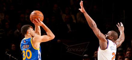 54 punti, 11-13 da tre, la singola serata più bella della stagione, Stephen Curry illumina il MSG il 27 Febbraio