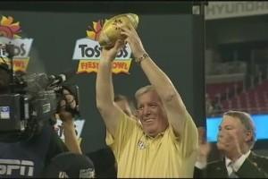 O'Leary festeggia una meritata vittoria.