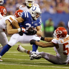 chiefs-colts-football-derrick-johnson-donald-brown_pg_600