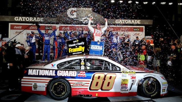 Dale-Earnhardt-Jr-2014-Daytona-500