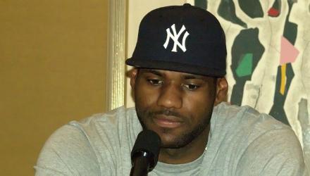 Pensiero stupendo. LeBron ci starà pensando, il cappellino intanto è quello giusto...