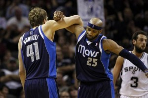dirk-nowitzki-vince-carter-nba-playoffs-dallas-mavericks-san-antonio-spurs-590x900