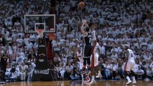dm_140506_MOBILE_NBA_Highlight_Williams_3-pointer