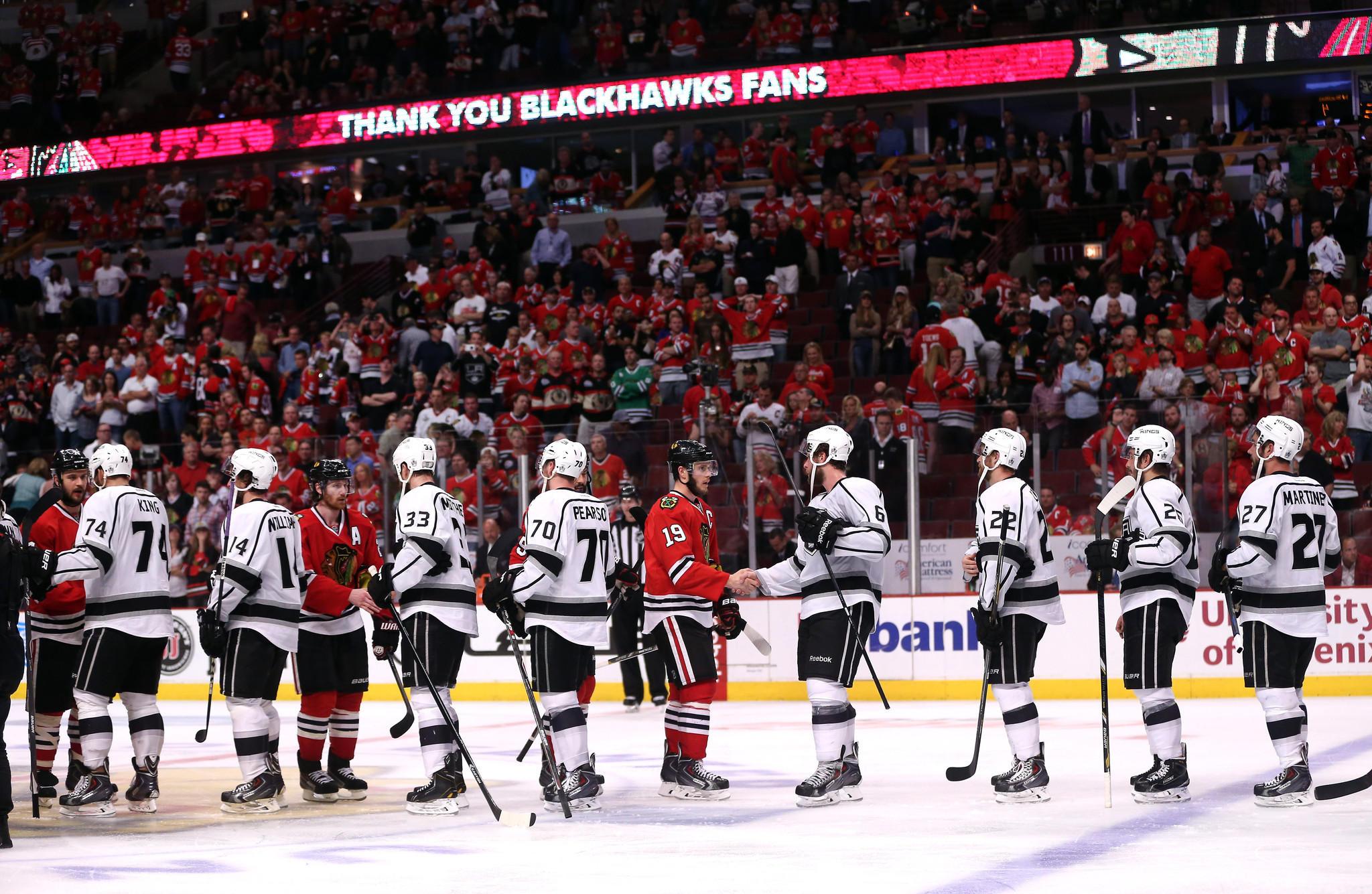 chi-blackhawks-fans-thanked-20140602