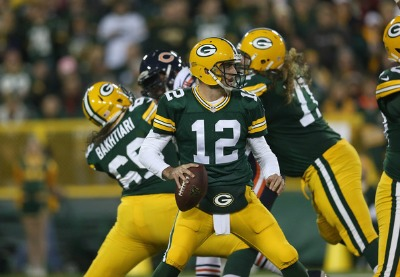 Aaron+Rodgers+Chicago+Bears+v+Green+Bay+Packers+Kvm7296WVrSl