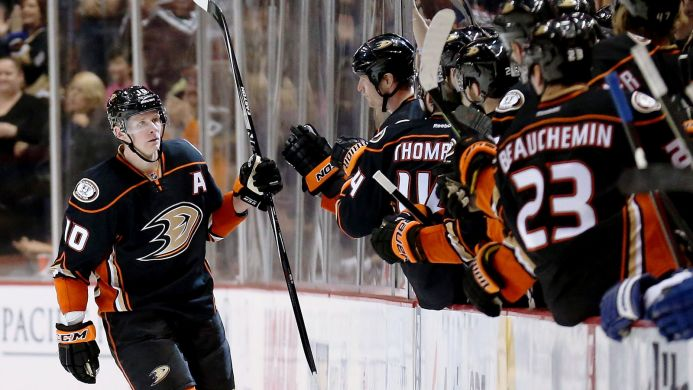 011415-NHL-Anaheim-Ducks-Corey-Perry-hat-trick-MM-PI.vresize.693.390.high.0