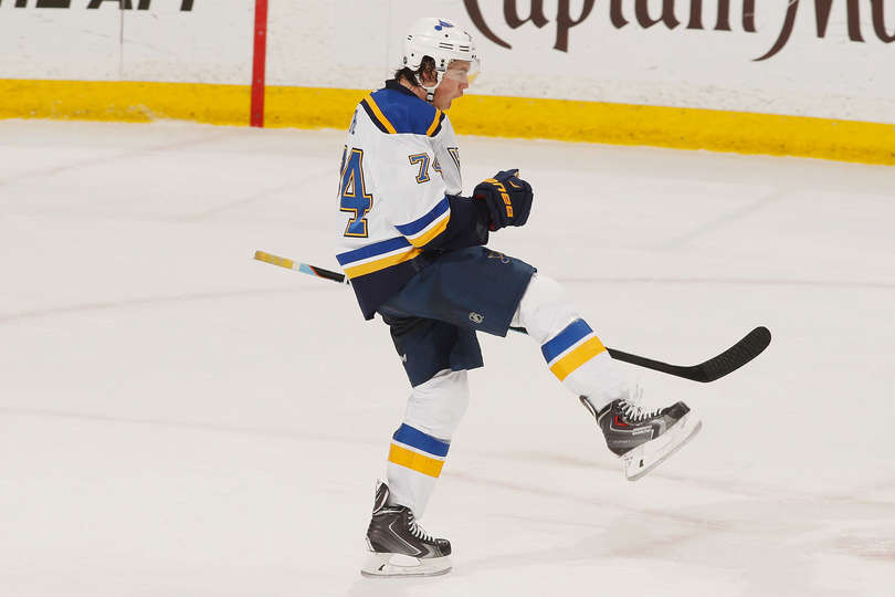 TJ Oshie illude i Blues col suo primo goal ai playoff 2015 StL@Min Game 6