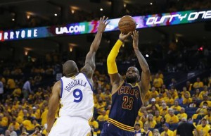 2015-nba-finals-game-five-20150615-043505-451