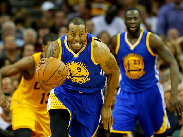 CLEVELAND, OH - JUNE 11:  Andre Iguodala #9 of the Golden State Warriors drives against the Cleveland Cavaliers in the second quarter during Game Four of the 2015 NBA Finals at Quicken Loans Arena on June 11, 2015 in Cleveland, Ohio.  NOTE TO USER: User expressly acknowledges and agrees that, by downloading and or using this photograph, user is consenting to the terms and conditions of Getty Images License Agreement.  (Photo by Ronald Martinez/Getty Images)