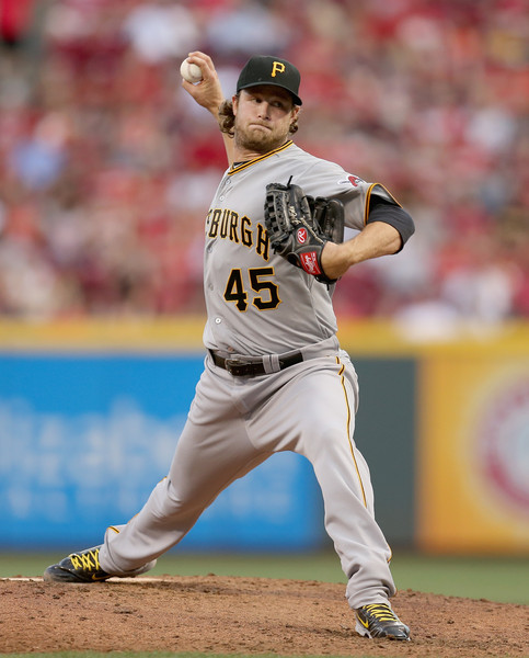 Gerrit+Cole+Pittsburgh+Pirates+v+Cincinnati+RiEemUP_2YAl