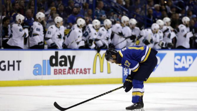 Tutta la frustazione di Shattenkirk (AP Photo/Jeff Roberson)
