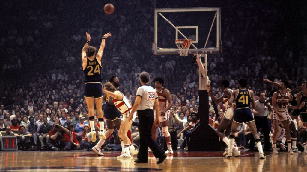 052815-NBA-warriors-rick-barry-shoot-jump-shot-ahn-PI.vresize.1200.675.high.83