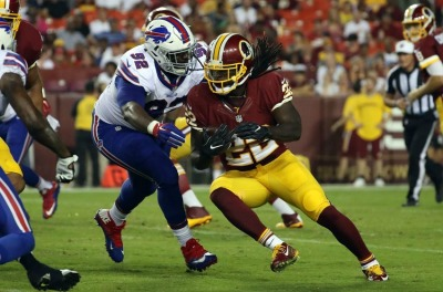 9501642-adolphus-washington-robert-kelley-nfl-preseason-buffalo-bills-washington-redskins-1-850x560