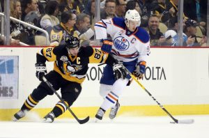9662669-connor-mcdavid-sidney-crosby-nhl-edmonton-oilers-pittsburgh-penguins