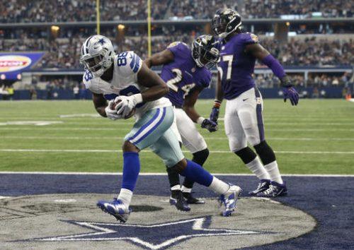 Dez Bryant (numero 88) sembra essere tornato ai suoi livelli: come si ferma l'attacco dei Cowboys?